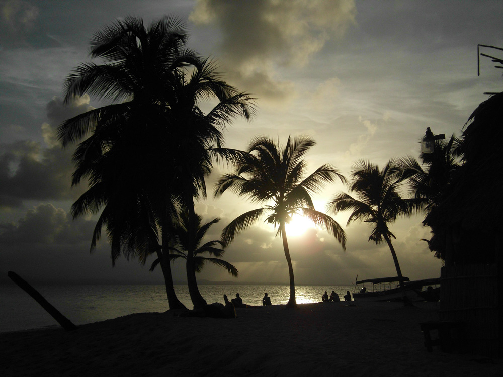 Enjoy the sunset at San Blas Islands