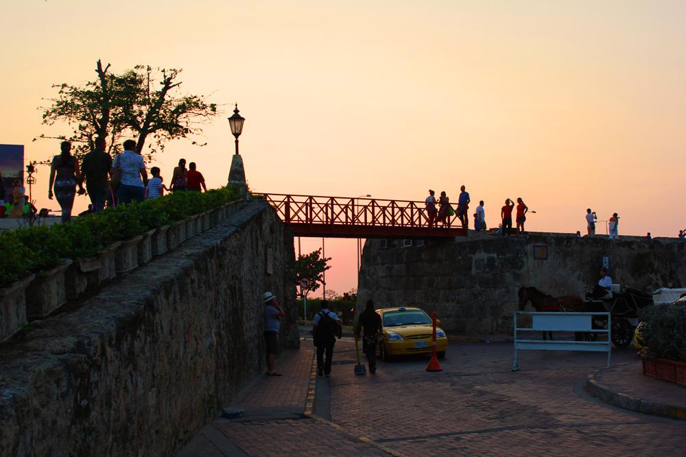 Ocaso en las murallas de Cartagena de Indias