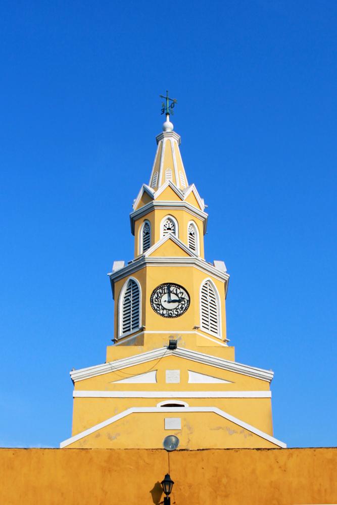 torre del reloj, entrada a la ciudad amurallada de cartagena